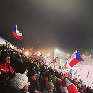 Lépe nemohlo mistrovství v biatlonu začít 😊🥉 naší čtyřce posílám gratulace a přeji další úspěchy vzpomínkou na loňský světový pohár v Novém městě na Moravě 😊❄️ #biatlon#smisenastafeta#mistrovstvisveta#novemestonamorave#biatlonzije#drzimepalce#jsoutoklucisikovni#holkytaky